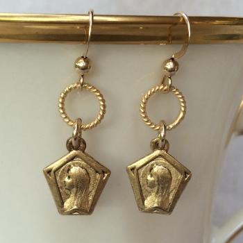 Profile Mary earrings